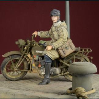 DDAY MINIATURE BRITISH MILITARY POLICEMAN 1942//45 WWII Scala 1//35 Cod.35011